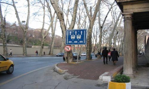 Zdjecie TURCJA / Istambuł / Istambuł / Ciekawostka - Znak drogowy w Turcji