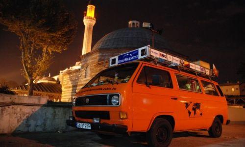 Zdjecie TURCJA / Turcja / Istambuł / Nocleg pod meczetem