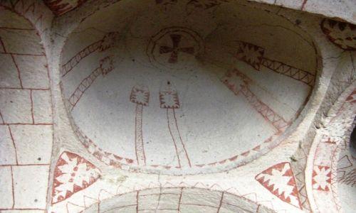 Zdjęcie TURCJA / - / dolina Goreme / Kaplica z okresu obrazoburstwa - VIII w. - 2