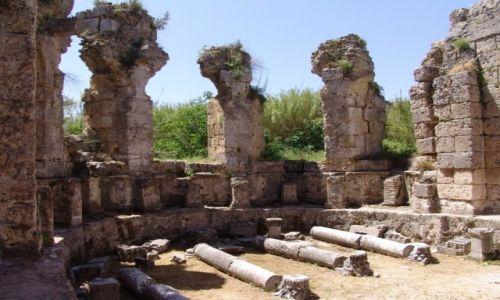 Zdjęcie TURCJA / Pamfilia / Side / Ruiny świątyni