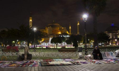 Zdjęcie TURCJA / Stambuł / Sultanahmet / bazar pod Hagia Sophia