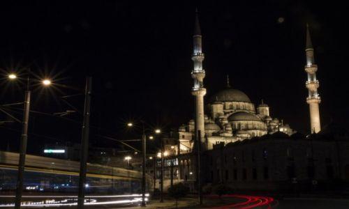 Zdjęcie TURCJA / Stambuł / Most Galata / Yeni Cami nocą