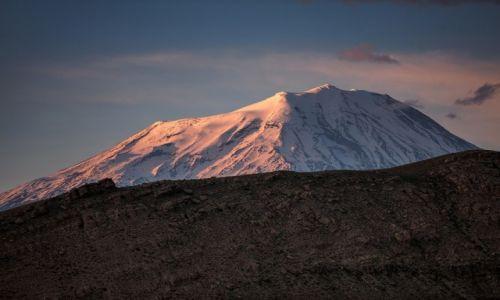TURCJA / Kurdystan / Dogubayazit / Ararat