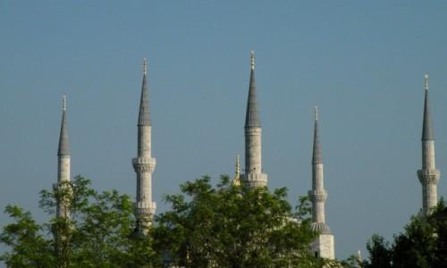 Zdjecie TURCJA / Stambu� / miasto / Wie�e meczetu