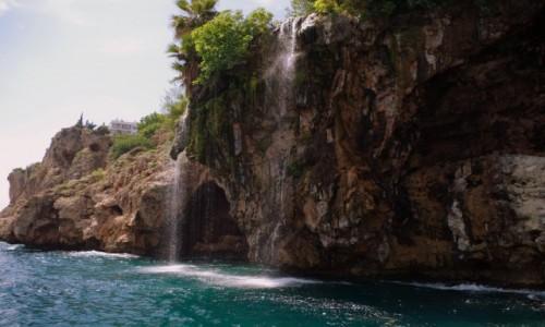 Zdjęcie TURCJA / Turecka Riwiera / Antalya / - mały wodospad-