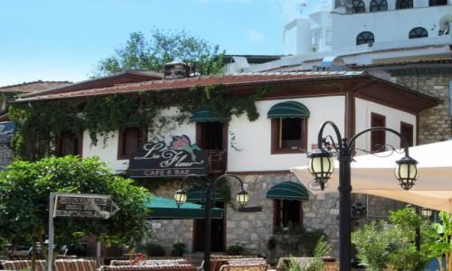 Zdjęcie TURCJA / Turcja Egejska / Marmaris / Jedna z knajpek w porcie