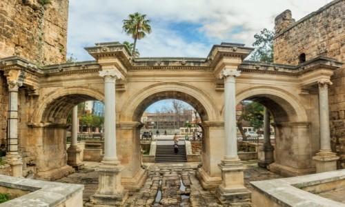 Zdjecie TURCJA / Riwiera Turecka / Antalya / brama Hadriana