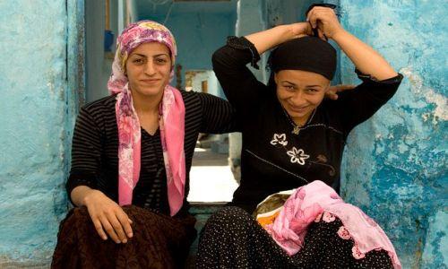 Zdjęcie TURCJA / Wschodnia Anatolia / Diyarbakir / przyjaciółki