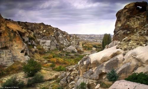 Zdjęcie TURCJA / centralnej części Anatolii,  / Kapadocja /  Kraina Pięknych Koni jesienią