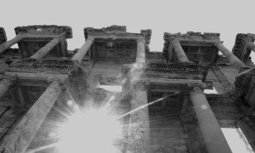 Zdjęcie TURCJA / EFES / Ruiny biblioteki / Bilblioteka
