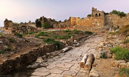 Zdjęcie TURCJA / południowa Turcja / Side / Starożytne ruiny