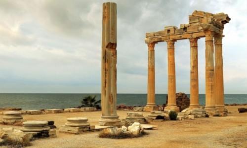 TURCJA / południowa Turcja / Side / Antyczne Side-Ruiny Świątyni Apolla