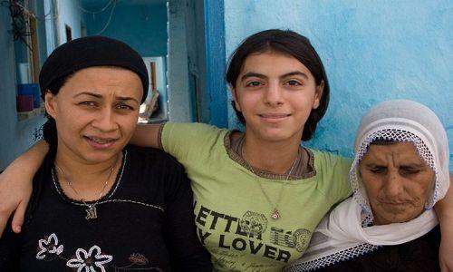 Zdjecie TURCJA / Wschodnia Anatolia / Diyarbakir / portret rodzinny :)