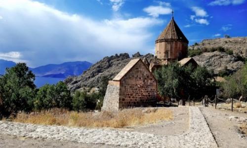 TURCJA / Jezioro Van - Wyżyna Armeńska / Wyspa Akdamar / X-wieczny ormiański Kościół Świętego Krzyża