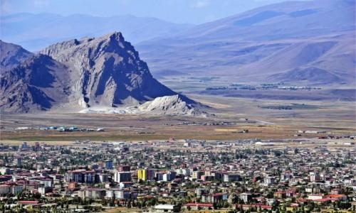 Zdjecie TURCJA / Kurdystan / Dogubayazit / Dogubayazit, miasto u stóp Araratu