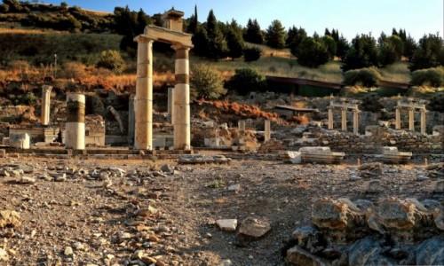 Zdjecie TURCJA /  Azji Mniejszej / Efez / Ruiny Efezu-3