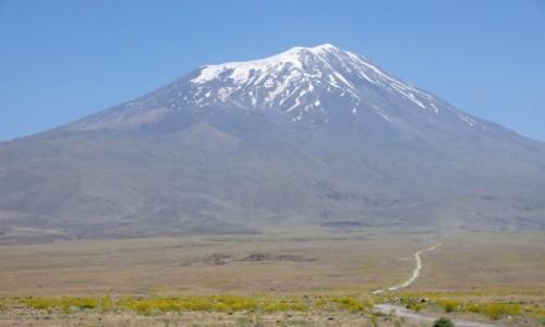 Zdjecie TURCJA / wschodnia Anatolia / Ararat / U stóp Araratu