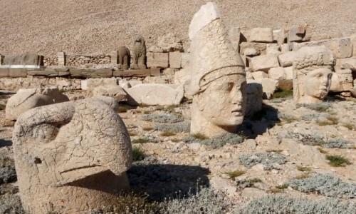 Zdjecie TURCJA / płd.-wsch. Anatolia / Nemrut / Kamienne głowy na górze Nemrut