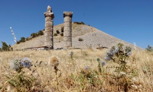Zdjecie TURCJA / płd.-wsch. Anatolia / Kahta / Kurhan Karakus