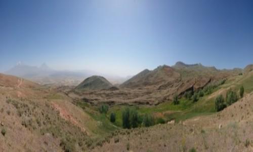 Zdjęcie TURCJA / wschodnia Anatolia / Uzengili / Domniemana Arka Noego oraz Wielki i Mały Ararat