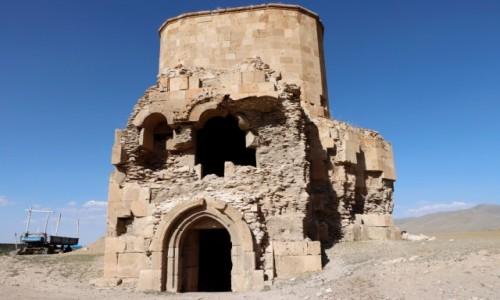 Zdjecie TURCJA / wschodnia Anatolia / Yanal / Ruiny ormiańskiego kościoła
