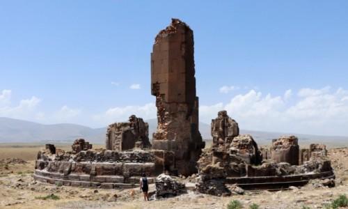 TURCJA / wschodnia Anatolia / Ani / Ruiny kościoła króla Gagika, zbudowanego na jubileusz roku 1000.