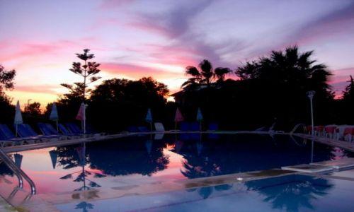 Zdjecie TURCJA / Turcja Egejska / Fethiye / ...a woda w basenie 25 stopni