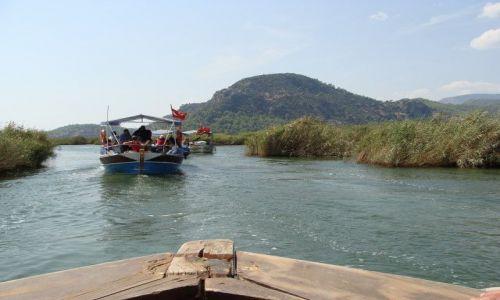 Zdjecie TURCJA / brak / rzeka Dalyan / krajobraz z łodzi