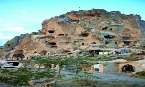 TURCJA / Kapadocja / Miasto Ortahisar, światowe dziedzictwo Unesco / Twierdza Uchisar