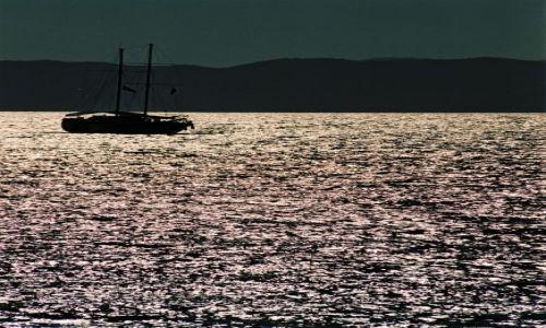 Zdjęcie TURCJA / OLUDENIZ / na wodzie / płynny metal