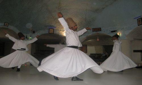 Zdjęcie TURCJA / Kapadocja / Konya / Tanczacy derwisze