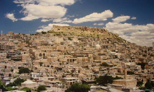 Zdjęcie TURCJA / Mezopotamia / Mardin / miasto wokół góry
