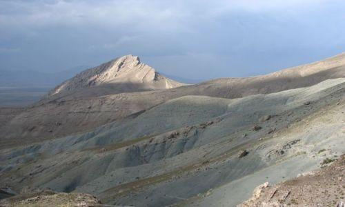 TURCJA / Wschodnia Anatolia / góry na granicy z Iranem / kolorowe góry