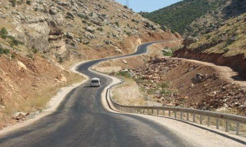 Zdjecie TURCJA / Wschodnia Anatolia / Droga na Górę Nemrut / Faliście ...