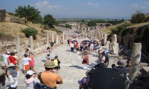 Zdjecie TURCJA / - / Efez / Turyści 2