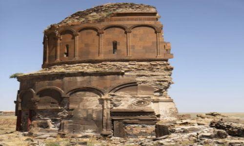 Zdjęcie TURCJA / wschodnia Turcja / Ani / ruiny kościoła w Ani