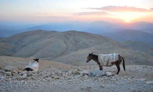 TURCJA / Turcja Wschodnia / Góra Nemrut / Było sobie słońce
