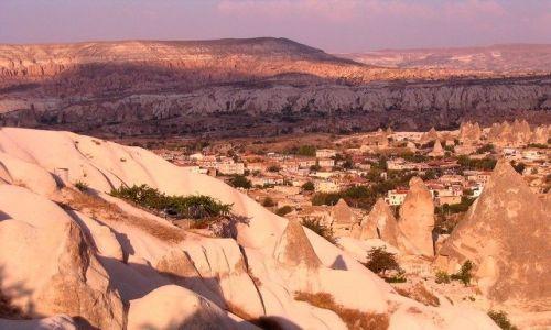 Zdjęcie TURCJA / Anatolia Turecka / Kapadocja / miasto wśród skał