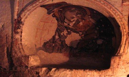 Zdjęcie TURCJA / Anatolia Turecka / Kapadocja / w skalnej kaplicy