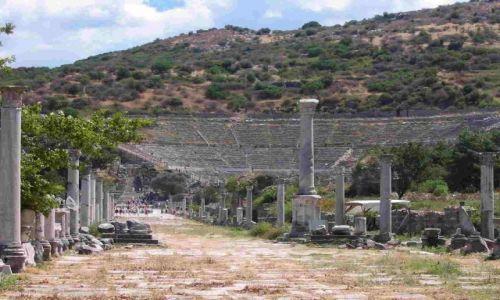 Zdjęcie TURCJA / - / Efez / amfiteatr w Efezie