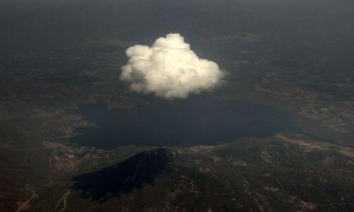Zdjecie TURCJA / - / nad Turcją, wykonane z samolotu / KONKURS Cuda Natury Zagubiona Chmurka