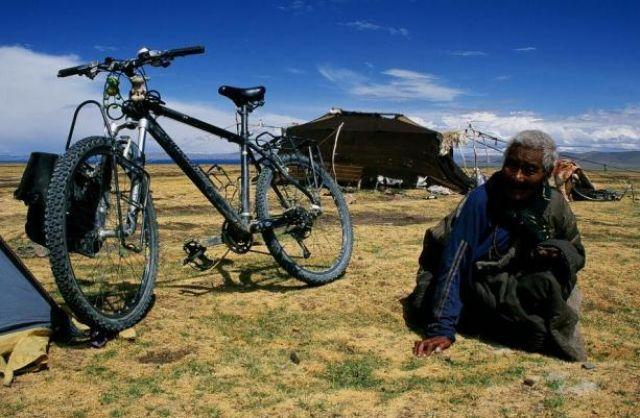Zdjęcia: Okolice jeziora Nam Tso, Płaskowyż Tybetański, Tybetanka, TYBET