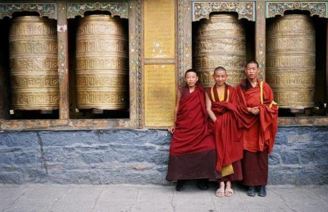 Zdj�cia: Klasztor Sakija, Tybet , Mnisi , TYBET