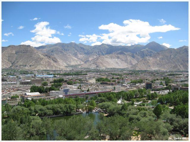 Zdjęcia: Lhasa - Potala, Tybet, Widok na miasto z pałacu Potala, TYBET