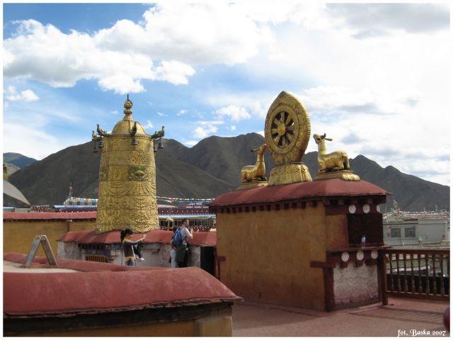 Zdjęcia: Lhasa - Jokhang, Tybet, Na dachu świątyni, TYBET
