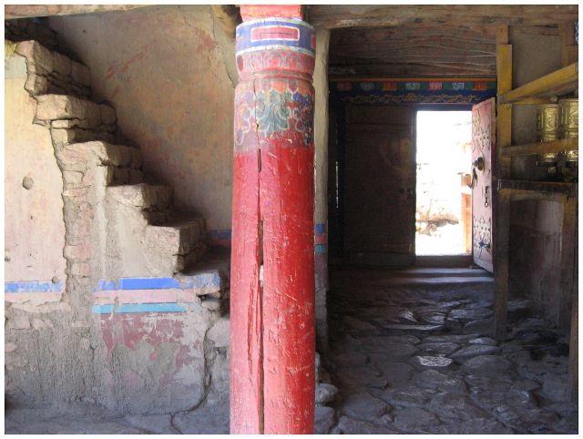 Zdj�cia: klasztor Shalu, Tybet po�udniowy, Czerwona kolumna, TYBET