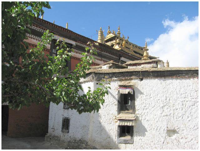 Zdjęcia: Shigatse - Tashilhunpo, Tybet południowy, Klasztorne zaułki, TYBET