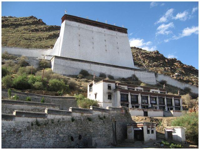 Zdjęcia: Shigatse - Tashilhunpo, Tybet południowy, Tashilhunpo - górny fragment zespołu klasztornego, TYBET
