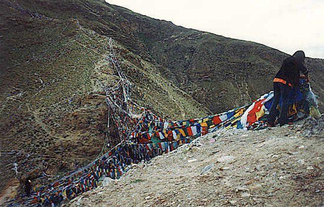 Zdjęcia: Lhasa, wzgórze pełne mantr, TYBET