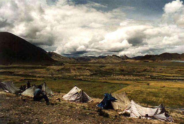 Zdjęcia: Himalaje, osada w drodze z Xigaze do granicy z Nepalem, TYBET